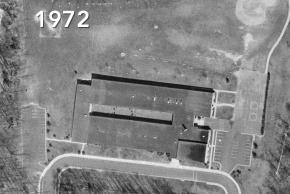 1972 black and white aerial photograph of Kings Park Elementary School.