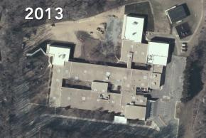 2013 aerial photograph of Kings Park Elementary School. Two large additions to the building have been constructed.